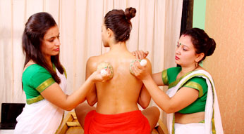Kizhi Ayurveda Treatment at Haritha Ayurveda India