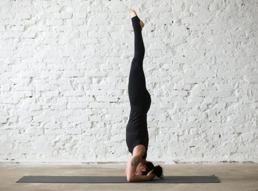12 Excellent Health Benefits of Sirsasana (Headstand)